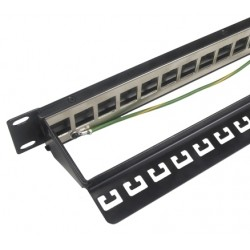 Patch panel 10G 24 port neosadený 19""